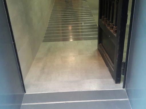 Mejora de la accesibilidad en edificio en Obispo Salinas